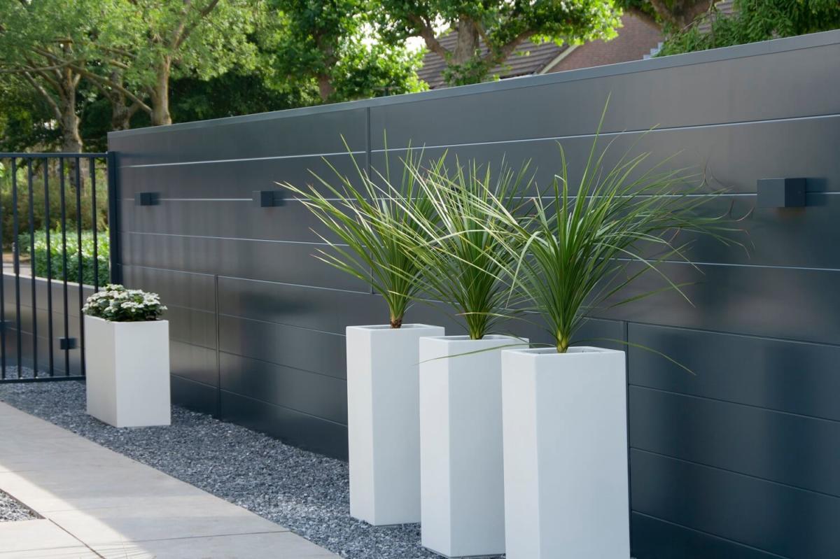 Wonderbaar Moderne schutting in uw tuin? Hermes design is strak + onderhoudsvrij! FH-03